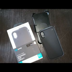 Speck iPhone XR case black with clip